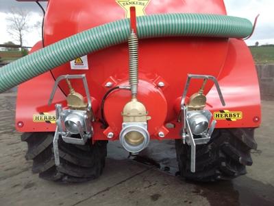 1600-Gallon-Tanker